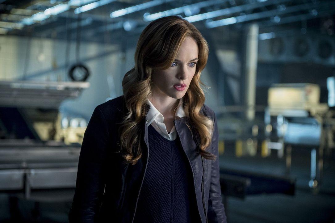 Eigentlich wollte Caitlin (Danielle Panabaker) Barry nur helfen, doch wie ihre Mutter prophezeit hat, weckt die Nutzung ihrer Fähigkeiten immer mehr... - Bildquelle: 2016 Warner Bros.