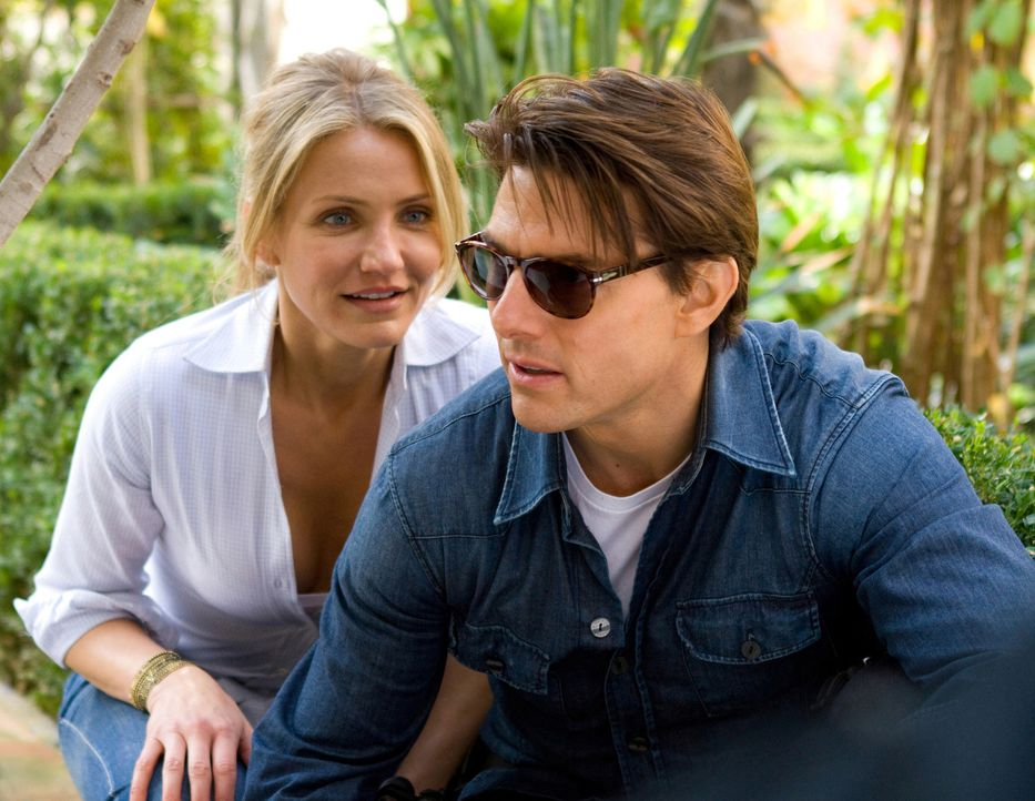Müssen einen skrupellosen Waffenhändler und einen übergelaufenen Agenten schachmatt setzen: June (Cameron Diaz, l.) und Roy (Tom Cruise, r.) in eine... - Bildquelle: Frank Masi TM and   2010 Twentieth Century Fox and Regency Enterprises.  All rights reserved.  Not for sale or duplication.