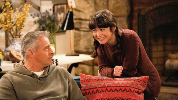 Als Kate (Grace Kaufman, r.) zu ihrem ersten Date eingeladen wird, kann Adam...