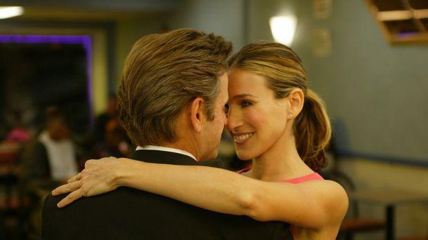Aleksandr (Mikhail Baryshnikov) and Carrie (Sarah Jessica Parker) © Paramount...