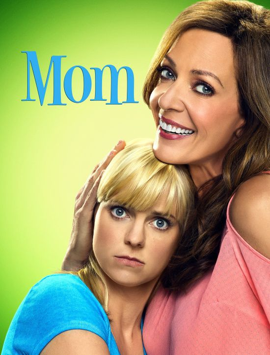 (4. Staffel) - MOM - Artwork - Bildquelle: Warner Bros. Entertainment, Inc.