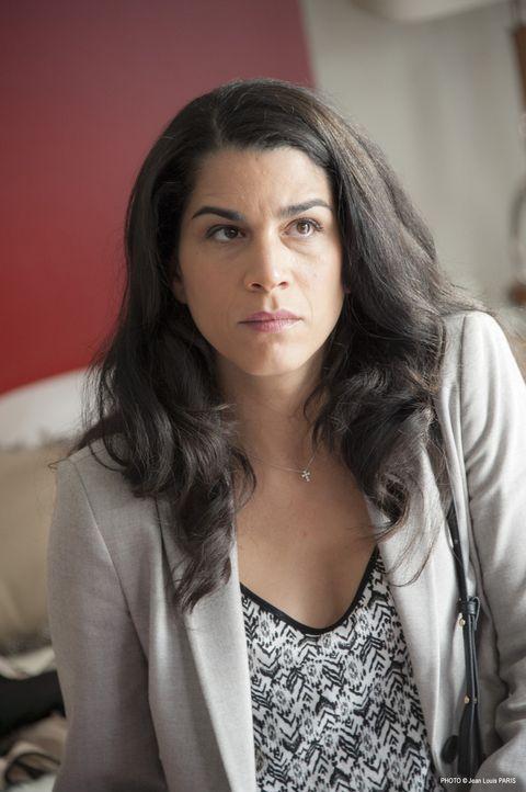 Ist Zohra Saadi (Kahena Saïghi) wirklich die trauernde Geliebte, für die sie sich ausgibt? - Bildquelle: Jean Louis PARIS