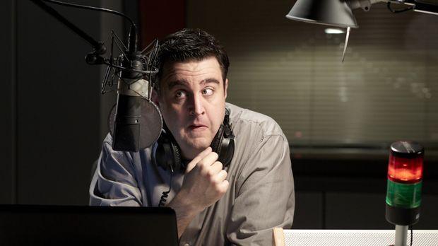 Hat eine wöchentliche Radio-Show im Kulturkanal WDR 5, die natürlich nicht pr...