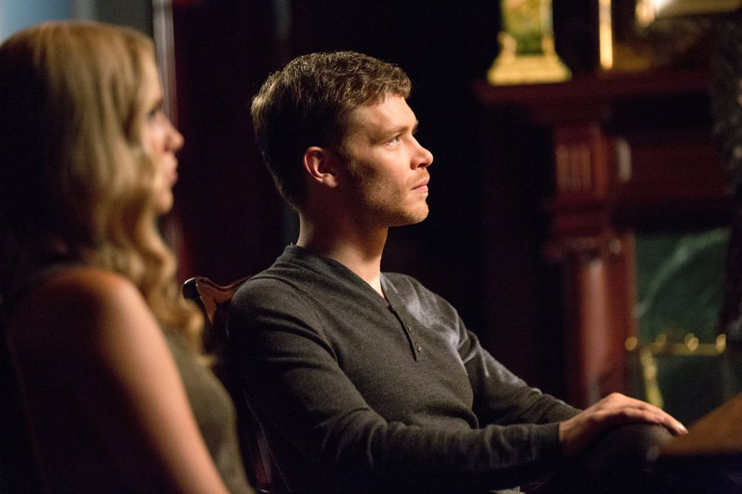 Klaus und Rebekah können es nicht glauben - Bildquelle: Warner Bros. Entertainment Inc.