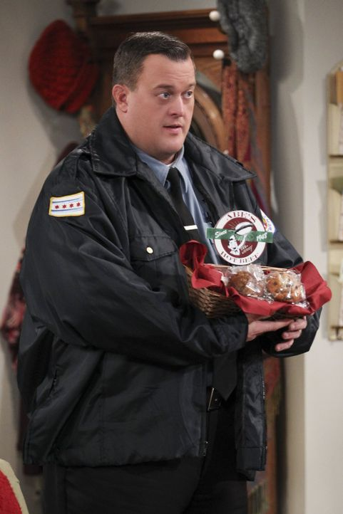 Versucht, seine Verhaftung bei Joyce wieder gut zu machen: Mike (Billy Gardell) ... - Bildquelle: Warner Brothers