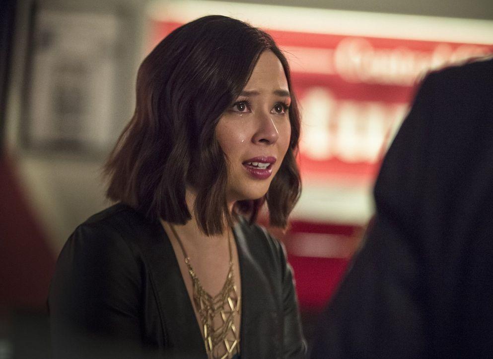 Hat Linda (Malese Jow) etwas mit dem neusten Meta-Wesen zu tun, das aus der anderen Welt nach Central City gekommen ist? - Bildquelle: 2015 Warner Brothers.