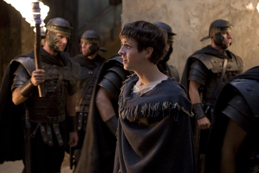 Ahnt nicht, dass Batiatus seinen Vater auf dem Gewissen hat: Numerius (Lliam Powell, vorne) ... - Bildquelle: 2010 Starz Entertainment, LLC
