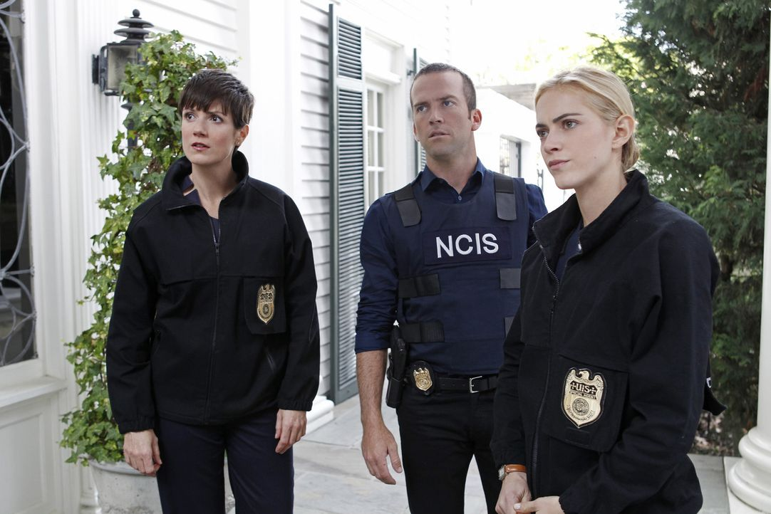"""Auf der Jagd nach dem Mörder eines Kongressabgeordneten: Meredith """"Merri"""" Brody (Zoe McLellan, l.), Christopher Lasalle (Lucas Black, M.) und Eleano... - Bildquelle: CBS Television"""