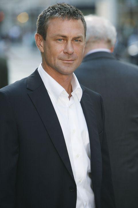 Wilhelmina will einen neuen Prokuristen (Grant Bowler, l.) bei MODE einstellen. Daniel ist dagegen ... - Bildquelle: 2008   ABC Studios