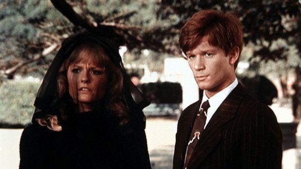 Cindy (Leslie Winston, l.) und Ben (Eric Scott, r.) trauern um Cindys Vater,...