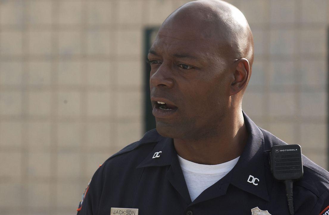 Der Gefängnisaufseher Rasheed Jackson (Mark Berry) kennt kein Erbarmen ... - Bildquelle: CPT Holdings, Inc.  All Rights Reserved.