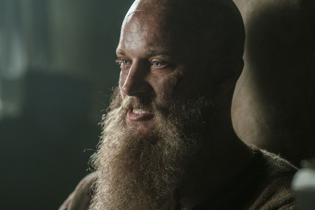 Wie wird es in England mit Ragnar (Travis Fimmel) weitergehen? - Bildquelle: 2016 TM PRODUCTIONS LIMITED / T5 VIKINGS III PRODUCTIONS INC. ALL RIGHTS RESERVED.