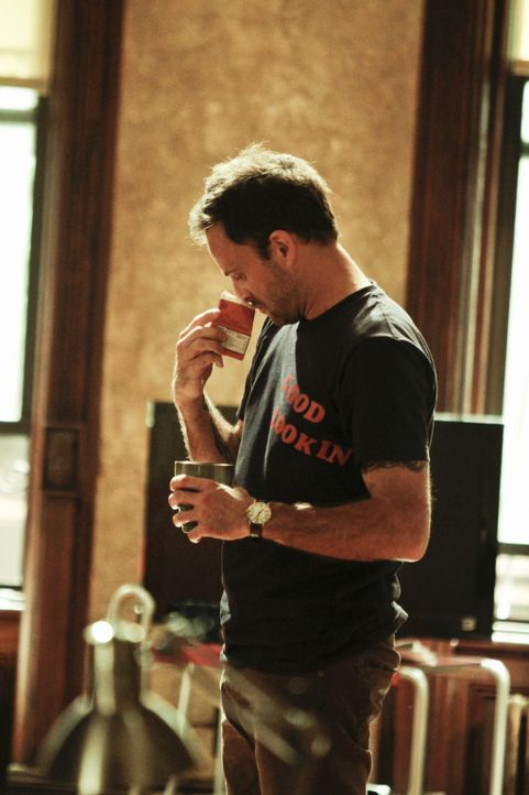 Sherlock Holmes (Jonny Lee Miller), der exzentrische Engländer versucht einen neuen Fall zu lösen ... - Bildquelle: CBS Television