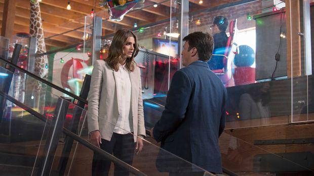 Endlich können sie wieder gemeinsam an einem Fall arbeiten: Kate Beckett (Sta...