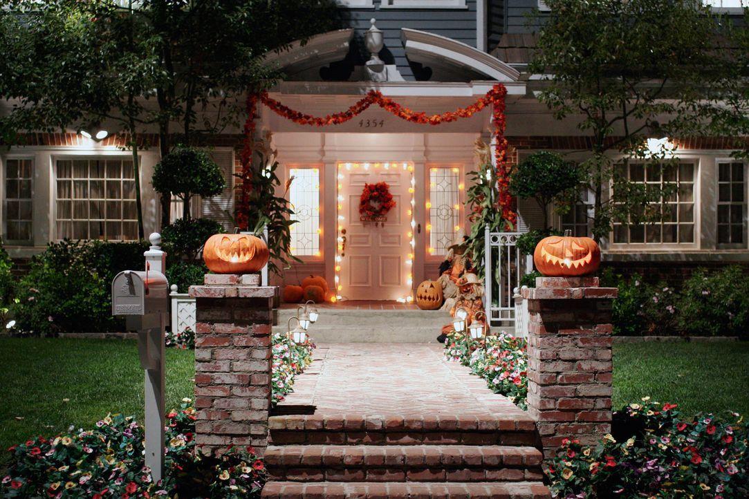 Bob und Lee geben eine Halloweenparty und laden alle Nachbarn ein ... - Bildquelle: ABC Studios