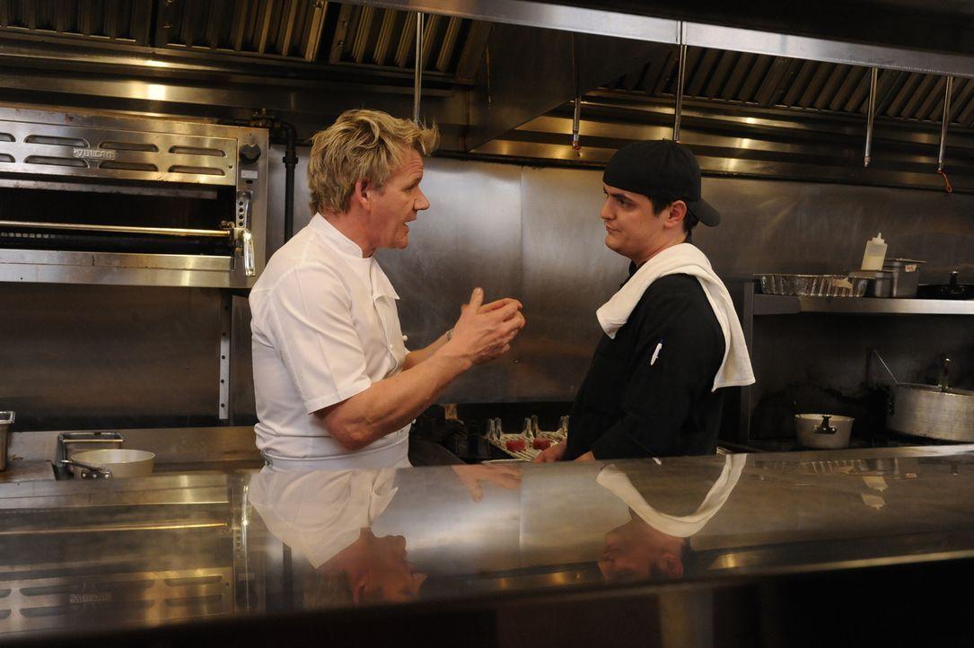 """Lassen sich die Köche des """"DownCity"""" wirklich von Gordon Ramsay (l.) helfen? - Bildquelle: Jeffrey Neira Fox Broadcasting.  All rights reserved."""