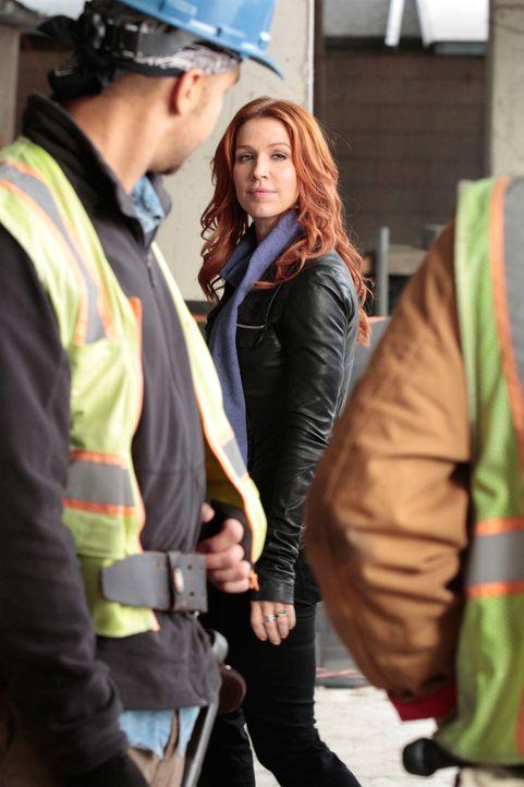Auf einer Baustelle wird ein junger Stahlbaumonteur ermordet aufgefunden. Carrie (Poppy Montgomery, M.) und Al beginnen mit den Ermittlungen und mac... - Bildquelle: 2011 CBS Broadcasting Inc. All Rights Reserved.