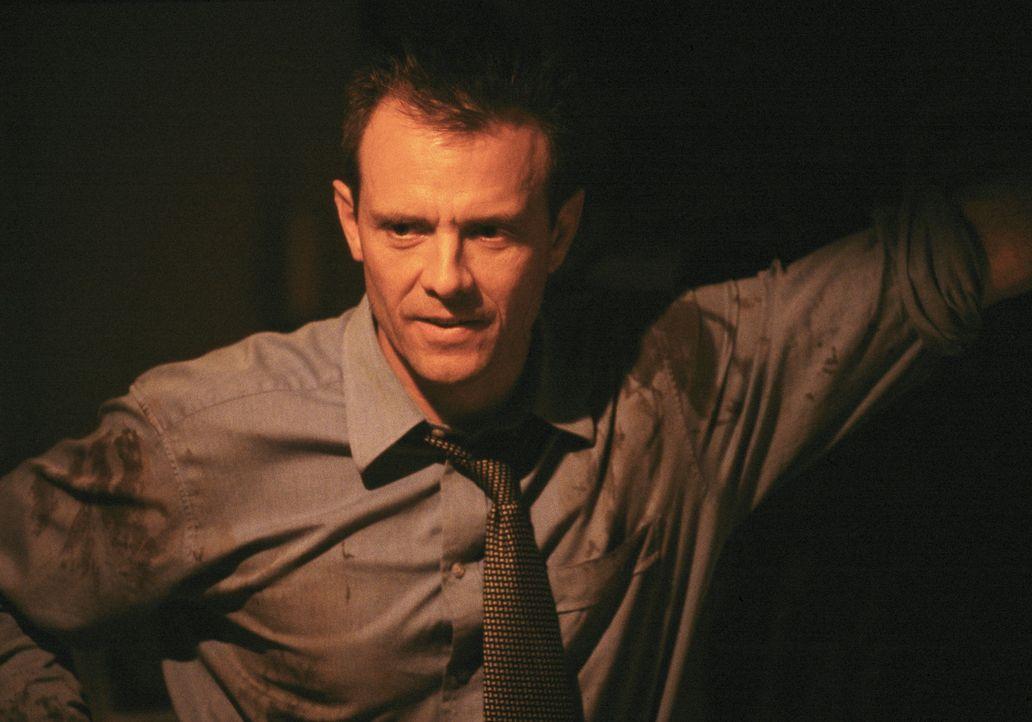 Obwohl alle Indizien gegen Lila sprechen, ist Detective Macy Kobacek (Michael Biehn) von der Unschuld seiner Geliebten felsenfest überzeugt ... - Bildquelle: ApolloMedia