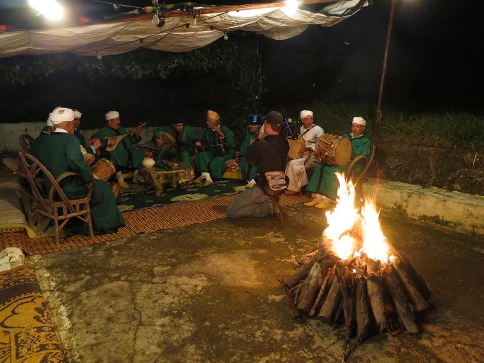 Auf seiner kulinarischen Reise entdeckt Anthony Bourdain das marokkanische Tangier ... - Bildquelle: 2013 Cable News Network, Inc. A TimeWarner Company. All rights reserved.