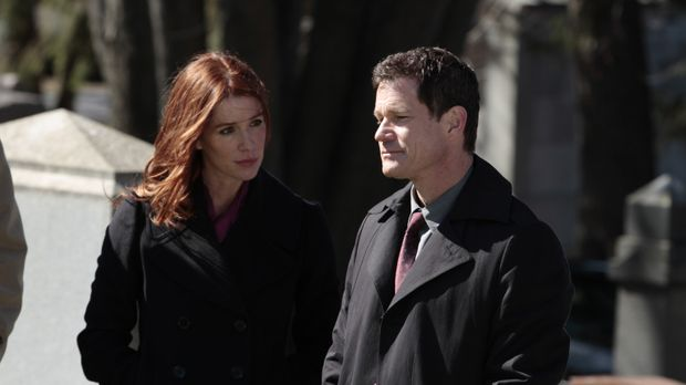 Ein Mordfall führt Detective Al Burns (Dylan Walsh, r.) und seine Ex-Freundin...