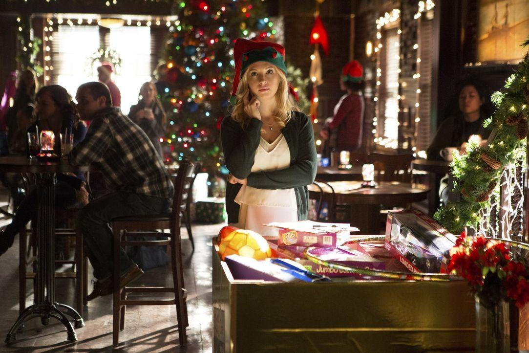 Die Schwangerschaft bringt Caroline (Candice King) an ihre Grenzen, während Mary Louise immer noch hofft, ihre Beziehung zu Nora kitten zu können ..... - Bildquelle: Warner Bros. Entertainment, Inc.