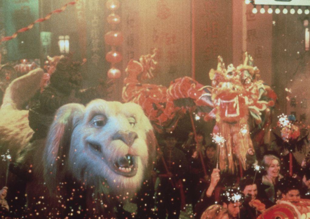 Die Feinde sind besiegt, und Phantásien ist gerettet: Alle Bewohner treffen sich, um die Retter zu feiern ... - Bildquelle: Warner Bros.