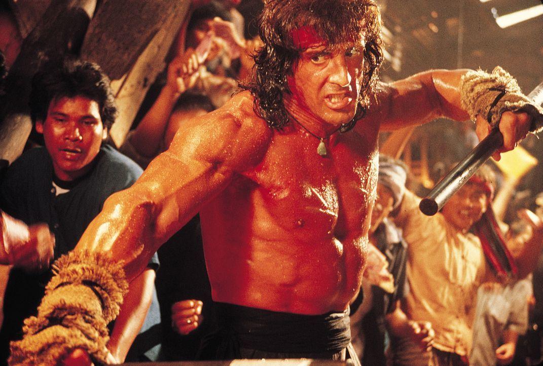Rambo (Sylvester Stallone) versucht, seinen langjährigen Freund Colonel Trautman aus russischer Gefangenschaft zu befreien. Doch das ist kein Kinder... - Bildquelle: 1988 STUDIOCANAL. All Rights Reserved.