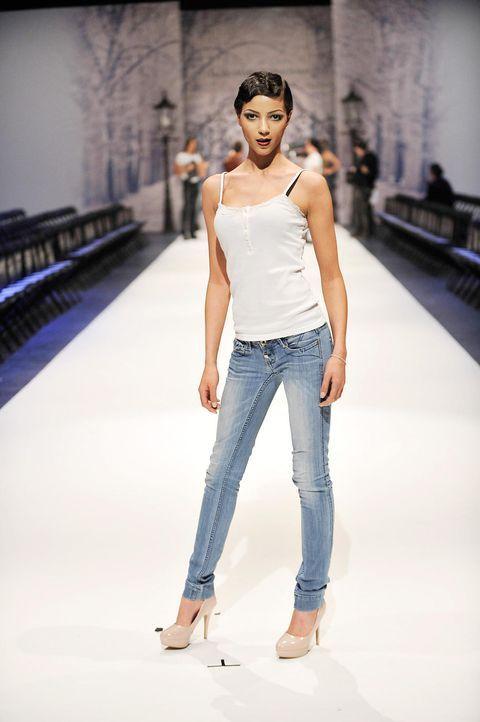 germanys-next-topmodel-stf07-epi01-modenschau-backstage-43-oliver-s-prosiebenjpg 1324 x 1990 - Bildquelle: Oliver S. - ProSieben