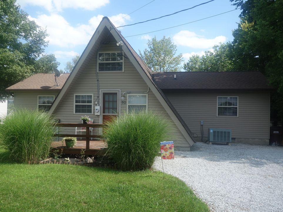 Mit 380.000 $ Budget ein Haus am See für sechs Personen zu finden, ist eine echte Herausforderung, doch Immobilienmakler Dave Gilkerson stellt sich... - Bildquelle: 2015, HGTV/Scripps Networks, LLC. All Rights Reserved.