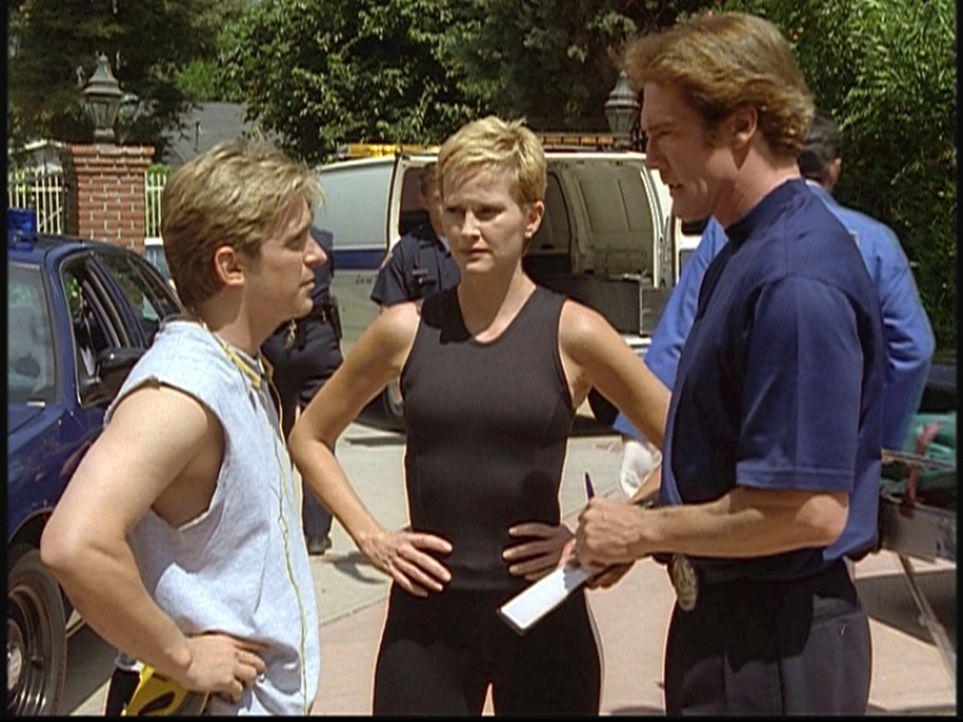 Steve (Barry Van Dyke, r.) befragt Jesse (Charlie Schlatter, l.) und die Joggerin Betsy, die vergeblich versucht hatten, einen Selbstmörder wiederzu... - Bildquelle: Viacom