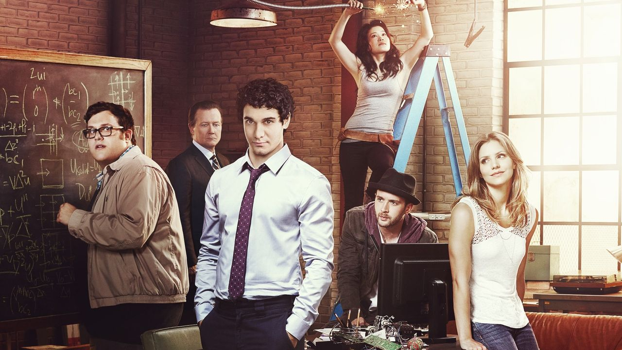 (1. Staffel) - Scorpion - ein ganz besonderes Team: Walter O'Brien (Elyes Gabel, 3.v.l.), Toby Curtis (Eddie Kaye Thomas, 2.v.r.), Sylvester Dodd (A... - Bildquelle: 2014 CBS Broadcasting, Inc. All Rights Reserved