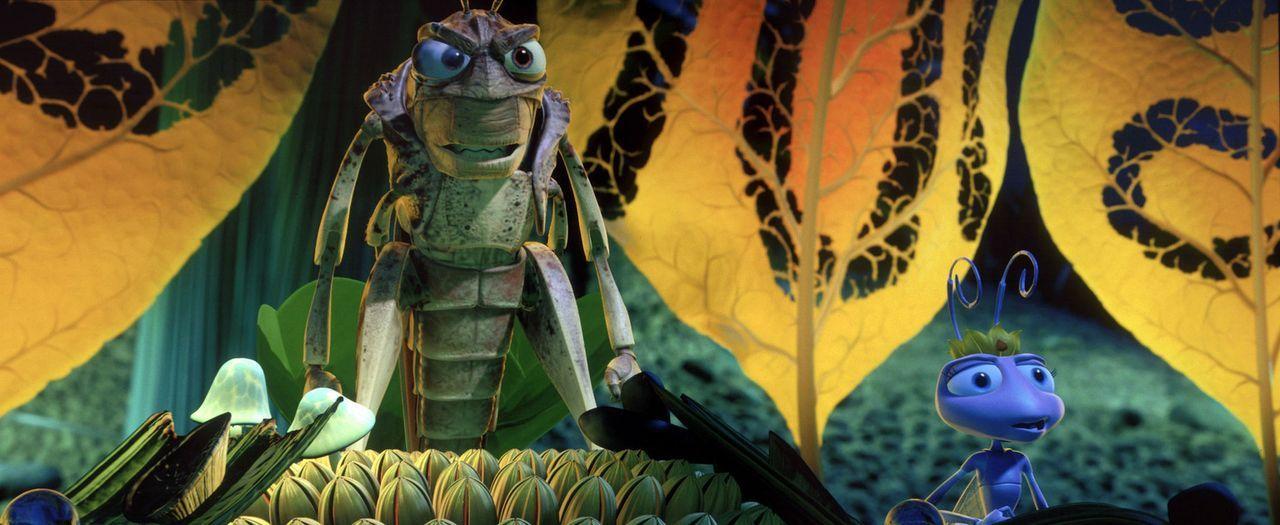 Nicht nur Prinzessin Atta (r.) hat großen Respekt vor Hopper (l.) und seiner gefräßigen Grashüpfer-Bande ... - Bildquelle: Disney/Pixar