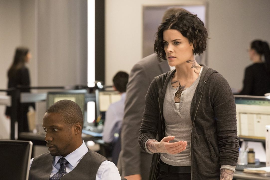 Haben beide ein großes Geheimnis: Jane (Jaimie Alexander, r.) und Reade (Rob Brown, l.) ... - Bildquelle: Warner Brothers