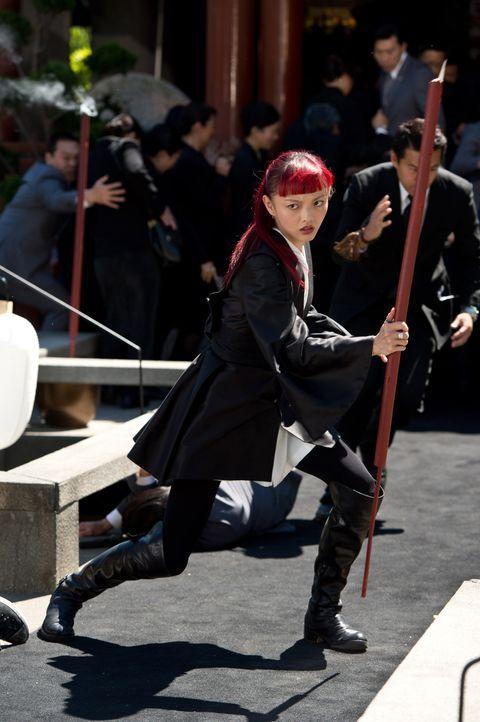 Als Yukio (Rila Fukushima) eine Vision vom baldigen Tod Logans hat, bricht sie sofort auf, um ihn zu warnen. Denn in dieser sah sie, wie Wolverine s... - Bildquelle: Ben Rothstein 2013 Twentieth Century Fox Film Corporation. All rights reserved.
