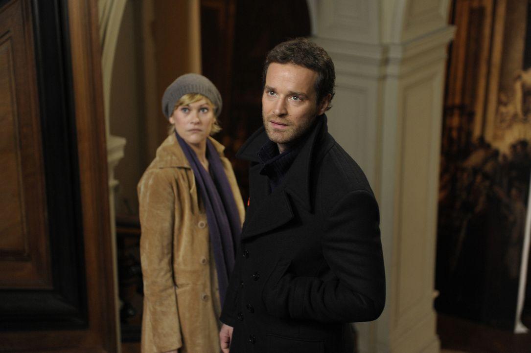 Haben es nicht immer einfach mit Chloé: Fred (Vanessa Valence, l.) und Matthieu (Guillaume Cramoisan, r.) ... - Bildquelle: 2008 - Beaubourg Audiovisuel/BeFilms/RTBF (Télévision Belge)