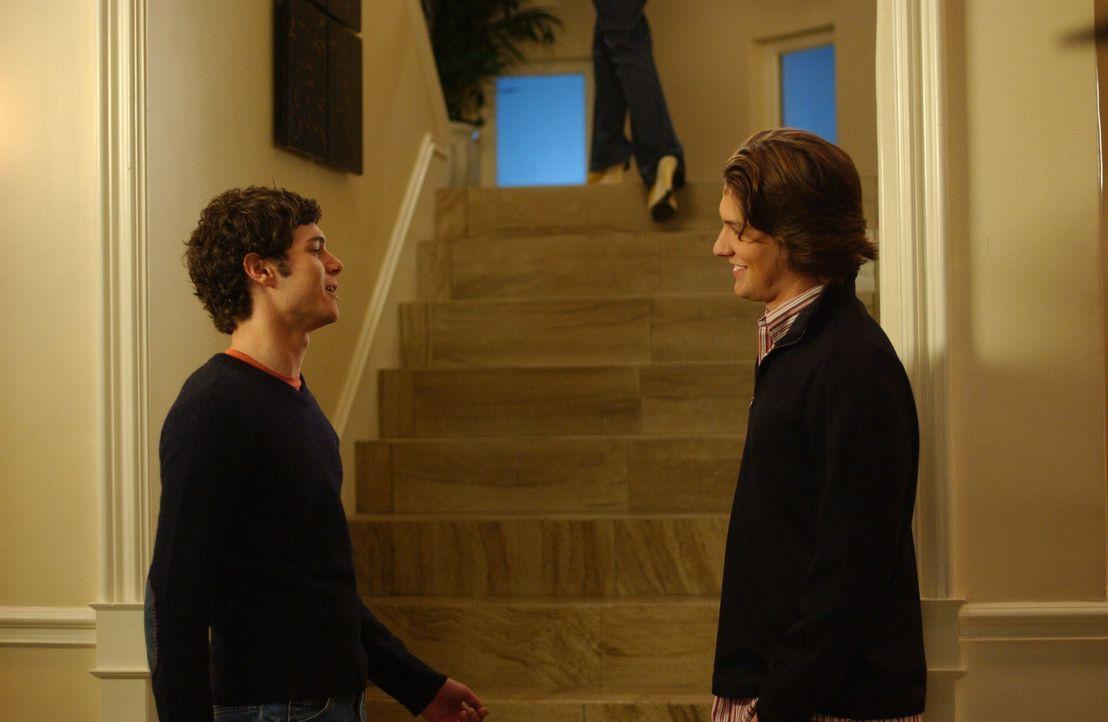 Gemeinsam planen Seth (Adam Brody, l.) und Zach (Michael Cassidy, r.) einen Comic zu gestalten, der auf ihrem Leben in Newport basiert ... - Bildquelle: Warner Bros. Television