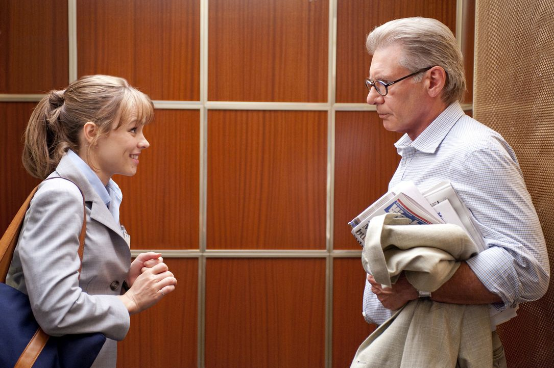 """Als der Produzent der letztplatzierten Morgenshow Becky (Rachel McAdams, l.) einen aussichtlosen Job anbietet, ist sie entschlossen, aus """"Daybreak""""... - Bildquelle: 2010 Paramount Pictures.  All rights reserved."""