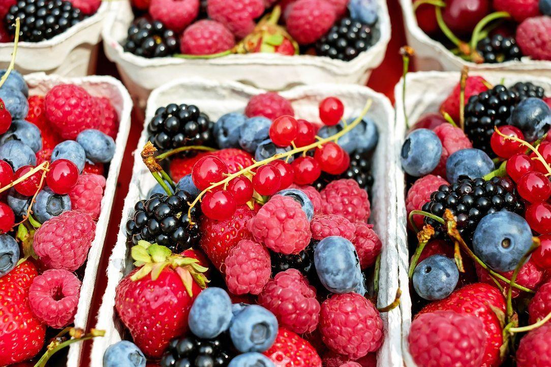 5. Frisches Obst oder GemüseErdbeeren, Wassermelone, Spargel und Tomaten: Wi...