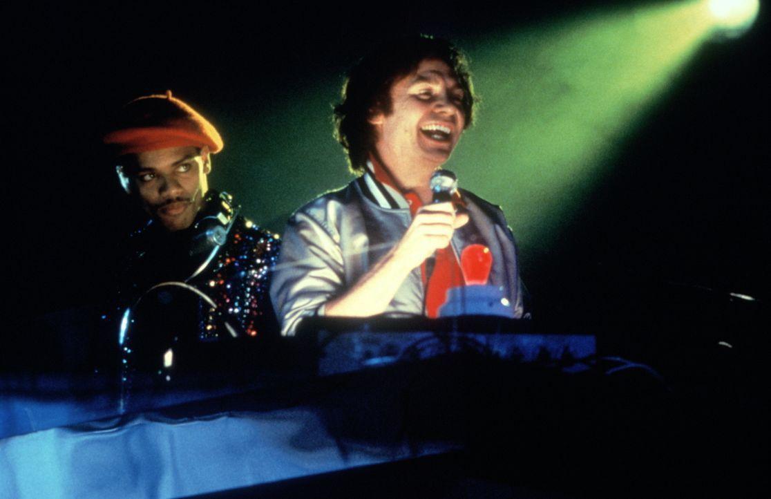"""Steve Rubell (Mike Myers, r.) ist der Besitzer des Lusttempels """"Studio 54"""": Das heißt, jeden Abend Drogen und Alkohol im Überfluss ... - Bildquelle: Miramax Films"""