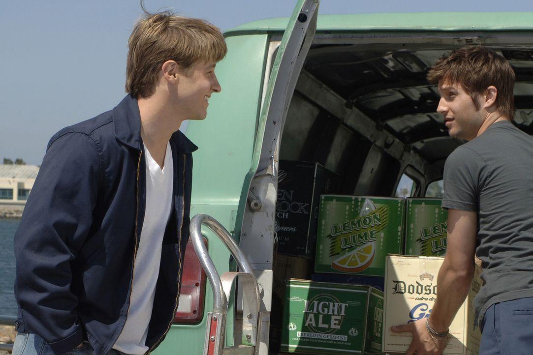 Ryan (Benjamin McKenzie, l.) hat immer noch keine Ahnung was sein Bruder Trey (Logan Marshall-Green, r.) Marissa angetan hat ... - Bildquelle: Warner Bros. Television