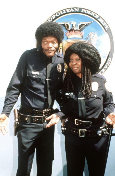 Undercover-Cops: Wes Luger (Samuel L. Jackson, l.) und seine Partnerin Billie York (Whoopi Goldberg, r.) ... - Bildquelle: Warner Brothers