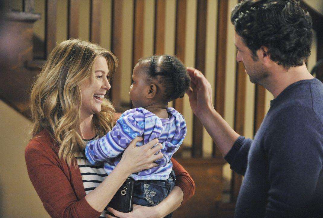 Während es im Krankenhaus um Leben und Tod geht, können Meredith (Ellen Pompeo, l.) und Derek (Patrick Dempsey, r.) endlich ihre Tochter in die Ar... - Bildquelle: ABC Studios