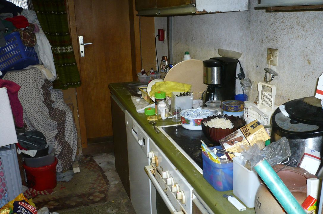 Die Wohnung als Müllhalde. In Deutschland leiden geschätzte 2 Millionen Menschen unter dem Messie-Syndrom. Sie horten, sammeln und hausen zwischen... - Bildquelle: SAT.1