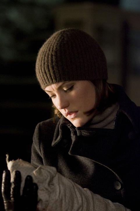 Niemand ahnt, dass die Polizistin Kelsey Walker (Jennifer Carpenter) großes Interesse an dem Weiterleben und den Babys des Killers hat ... - Bildquelle: Kinowelt GmbH