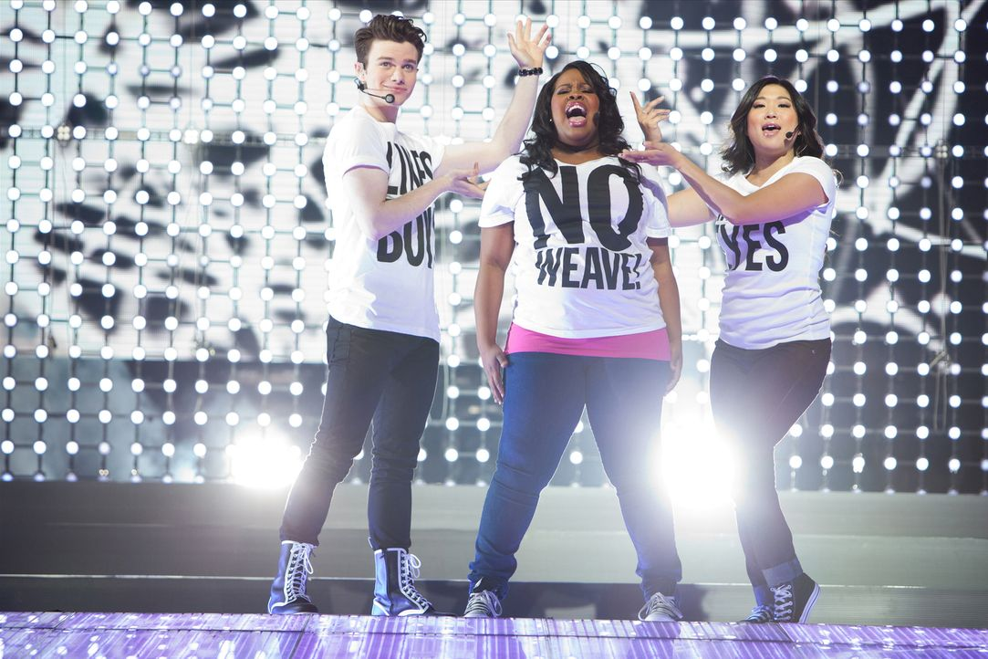 GLEE ON TOUR: Kurt (Chris Colfer, l.), Mercedes (Amber Riley, M.) und Tina (Jenna Ushkowitz, r.) - Bildquelle: Adam Rose TM and   2011 Twentieth Century Fox Film Corporation.  All rights reserved.