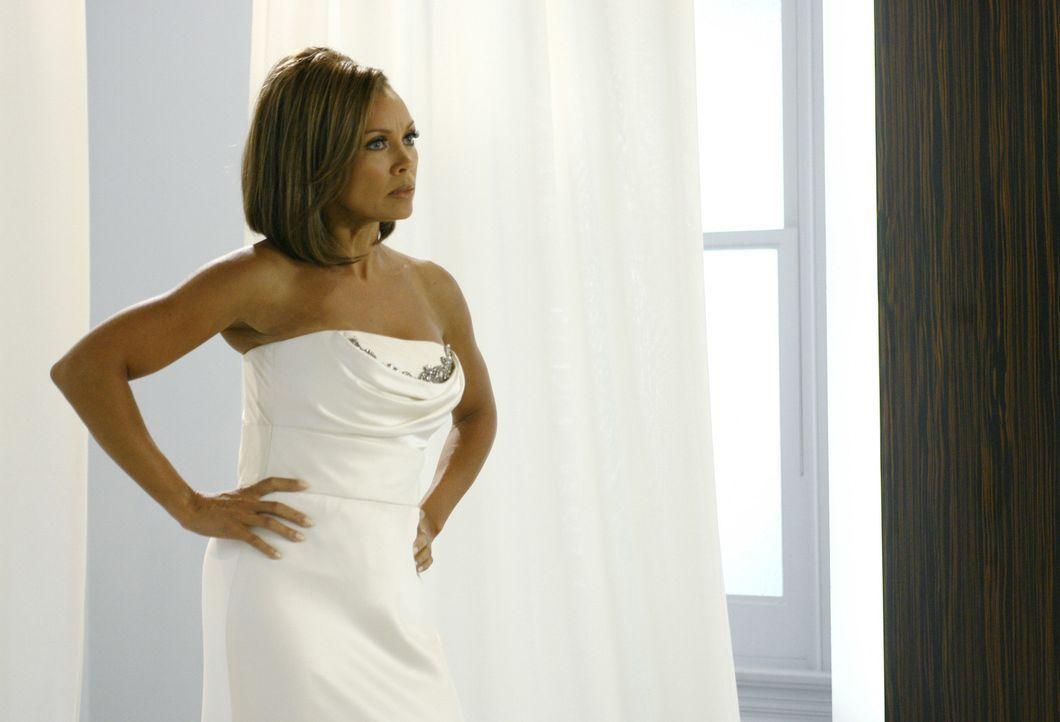 Weil sich alle nur die Brautjungfer interessieren, kocht die Braut (Vanessa Williams) vor Wut ... - Bildquelle: Buena Vista International Television