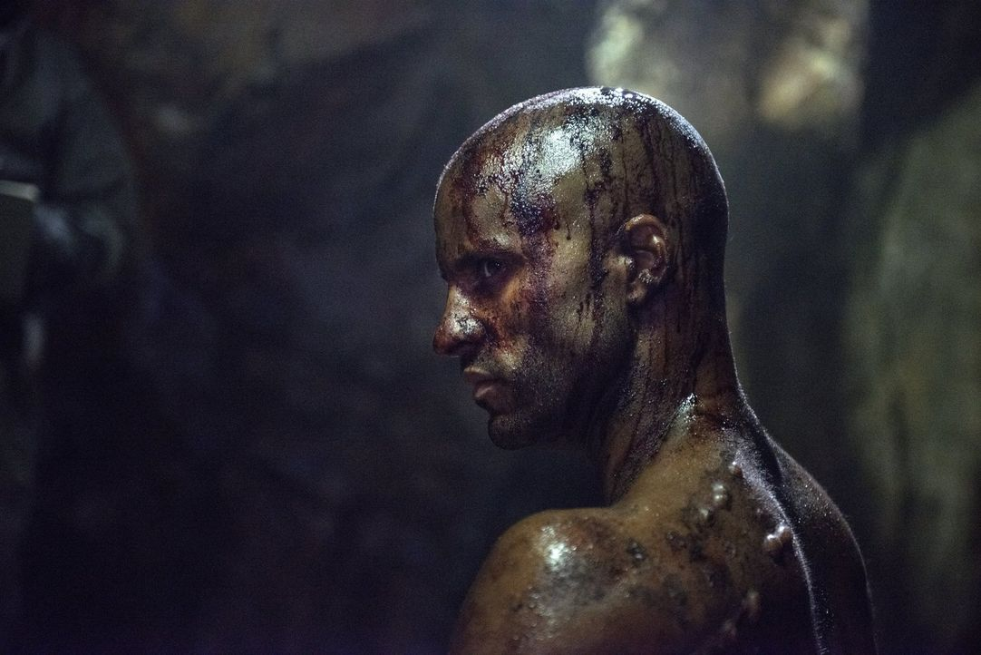 Lincoln (Ricky Whittle) hätte nie gedacht, dass es noch ein schlimmeres Schicksal gibt, als von den Reapern gefangengenommen zu werden ... - Bildquelle: 2014 Warner Brothers