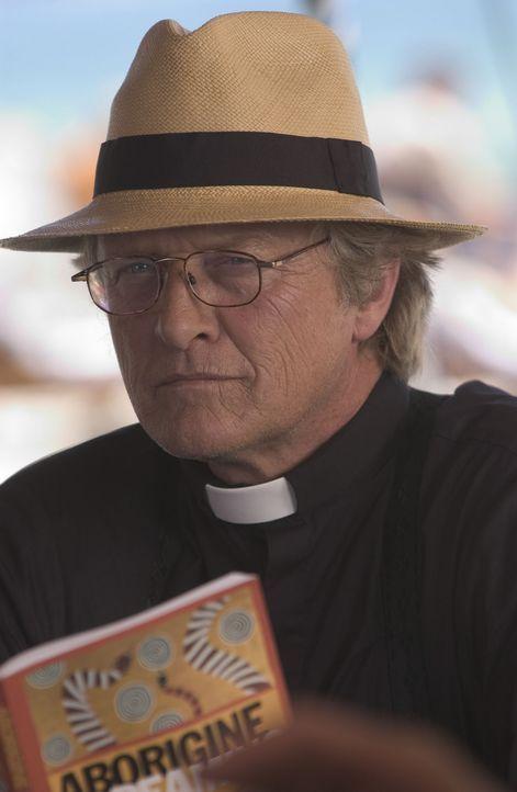 Muss schon bald auf göttlichen Beistand hoffen: Bischof Schmitt (Rutger Hauer) ... - Bildquelle: Hallmark Entertainment