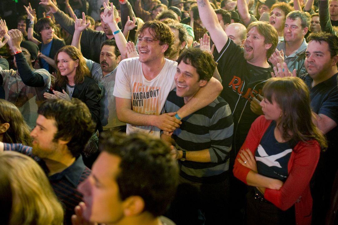 Mit seinem neuen Freund Sidney (Jason Segel, l.) holt Peter (Paul Rudd, r.) alles nach, was eine echte Männerfreundschaft ausmacht. Allerdings find... - Bildquelle: (2009) DW STUDIOS L.L.C. ALL RIGHTS RESERVED
