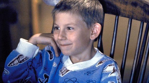 Der kleine Dewey (Erik Per Sullivan) ist begeistert von Horrorfilmen ... © TM...